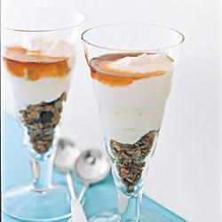 yogurt-granola-parfait