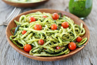 Spinach Pesto Zucchini Noodles with Cherry Tomatoes